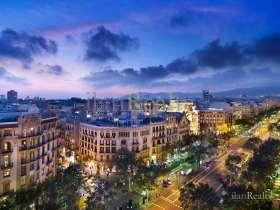 Singular edificio en venta en el centro de Barcelona con grandes posibilidades para la inversion