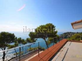 Продается роскошный дом, с панорамным видам на средиземное море, в Кала де Сан Франсеск, Бланес